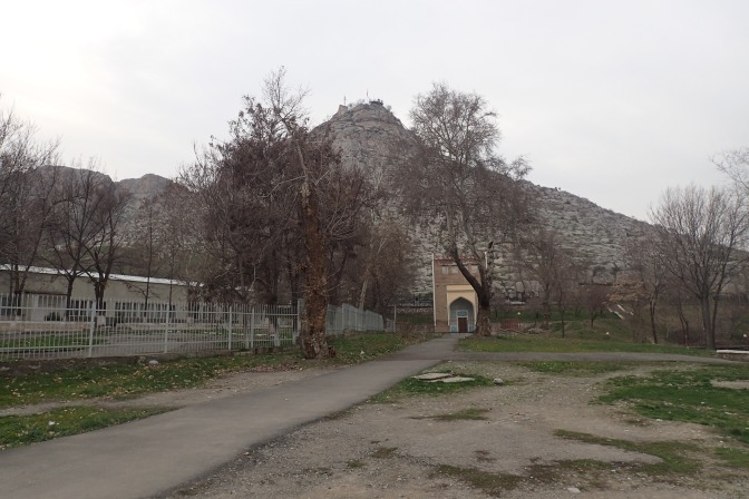 Khojand to Osh – in which your 2 girls finally make it back on track… and then promptly fall off it in spectacular style!